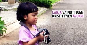 Facebook kuvamainos. jossa pieni tyttö